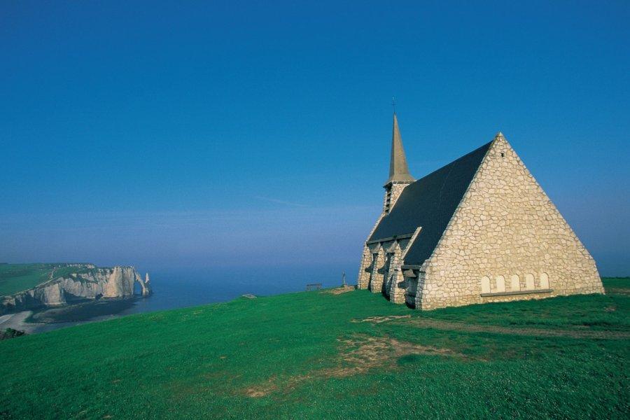La chapelle Notre-Dame-de-la-Garde - Etretat (© CALI - ICONOTEC))