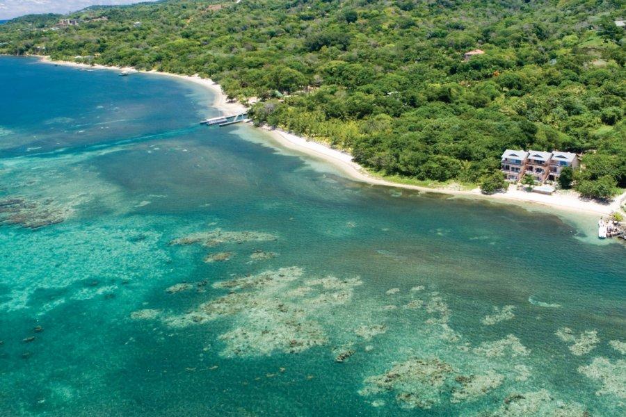 Survol de l'île de Roatan. (© Dstephens - iStockphoto))