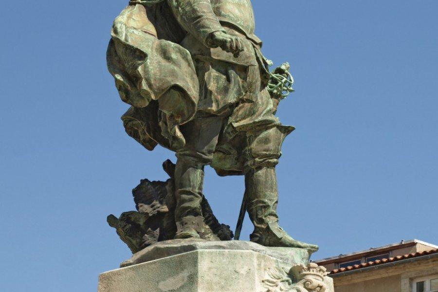 La statue de Jean Guiton sur la place de l'Hôtel-de-Ville (© Petitonnerre - Fotolia))