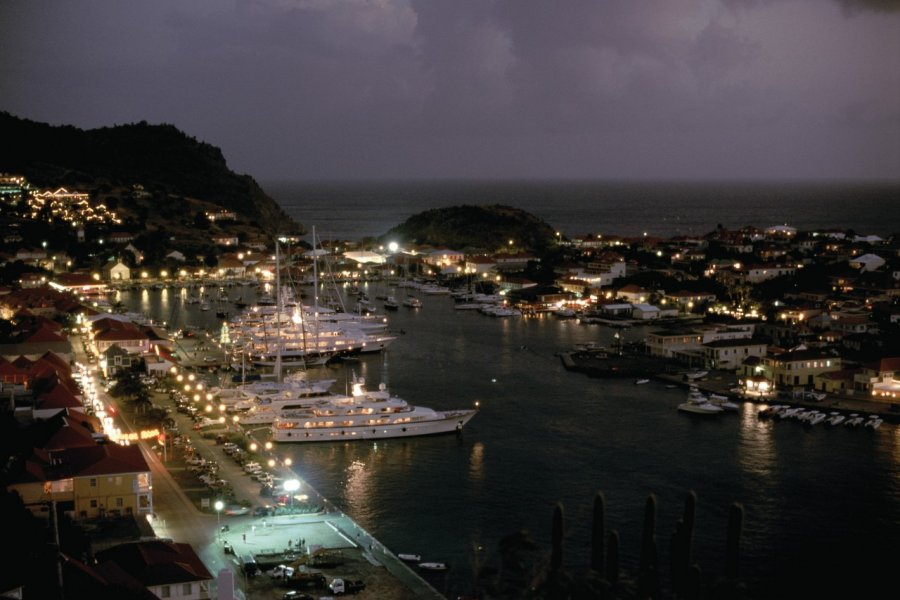 Gustavia by night! (© Author's Image))