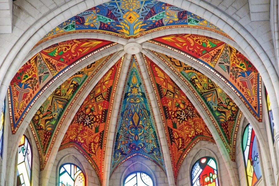 Intérieur de la Cathédrale Nuestra Señora de la Almudena. (© Sedmak - iStockphoto))
