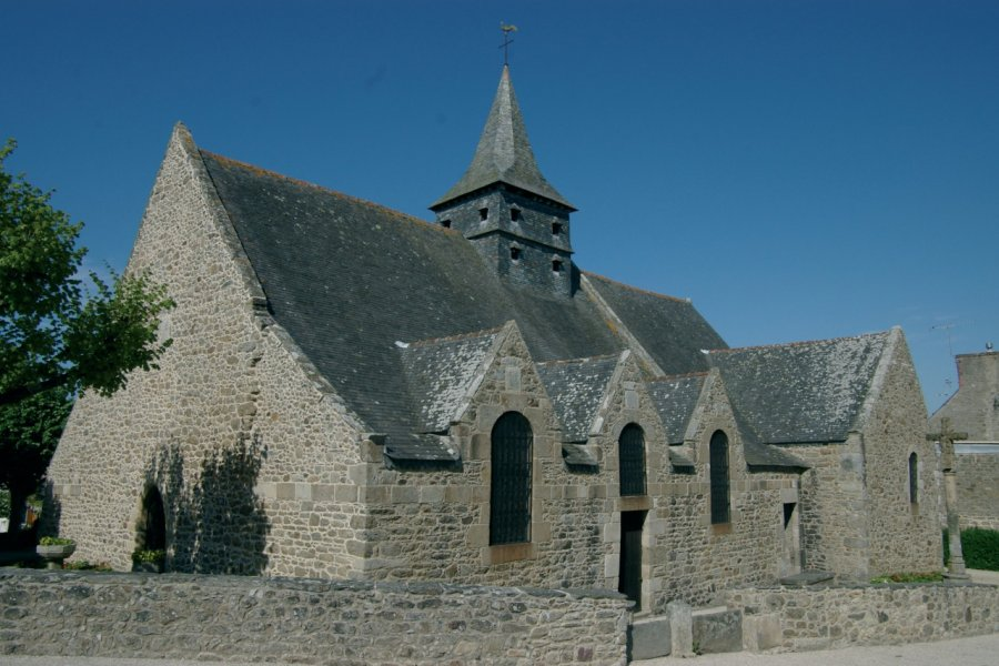 L'église bretonne de Dinard (© Stéphan SZEREMETA))
