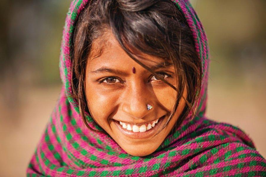 Jeune indienne du Rajasthan. (© Bartosz HADYNIAK - iStockphoto))