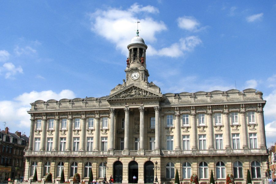 Hôtel de ville de Cambrai. (© Brad Pict / Adobe Stock))