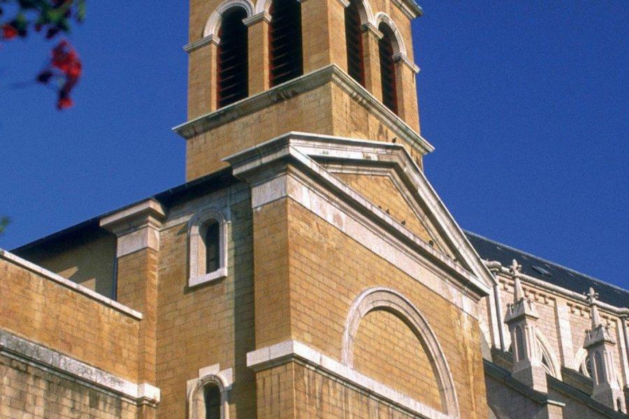 L'église de Tarare (© PHOVOIR))