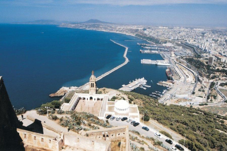 Vue de la baie d'Oran depuis le fort Santa Cruz. (© Sébastien CAILLEUX))