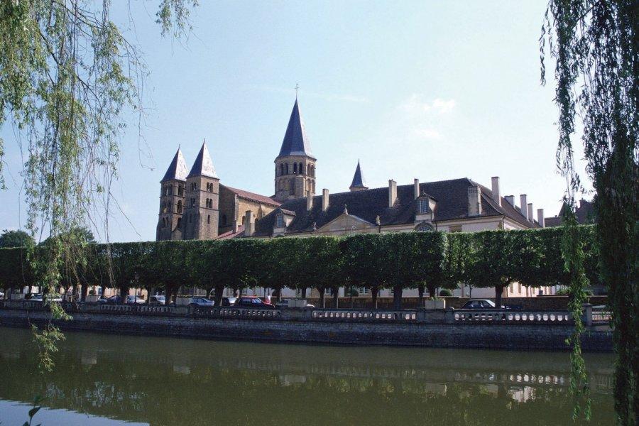 La basilique de Paray-le-Monial (© PHOVOIR))