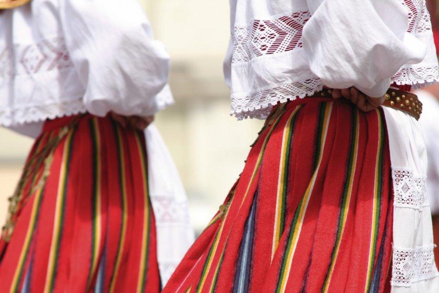 Danseurs fokloriques. (© iStockphoto.com/tuulum))