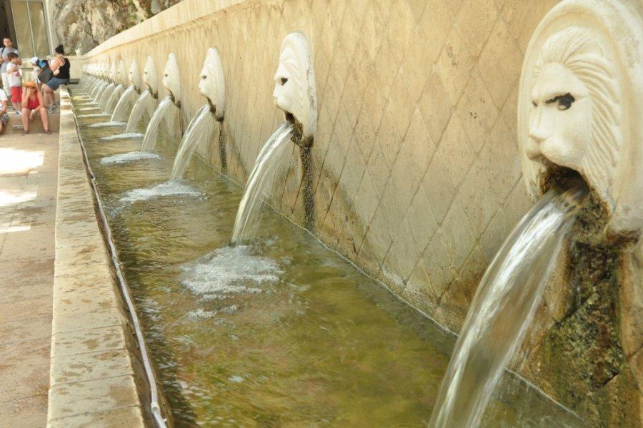 Les fontaines aux lions de Spili. (© Catherine FAUCHEUX))