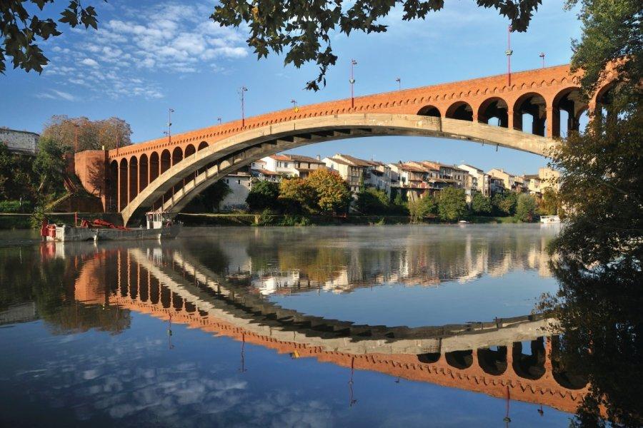 Le pont de la Libération de Villeneuve-sur-lot. (© Therry - iStockphoto))