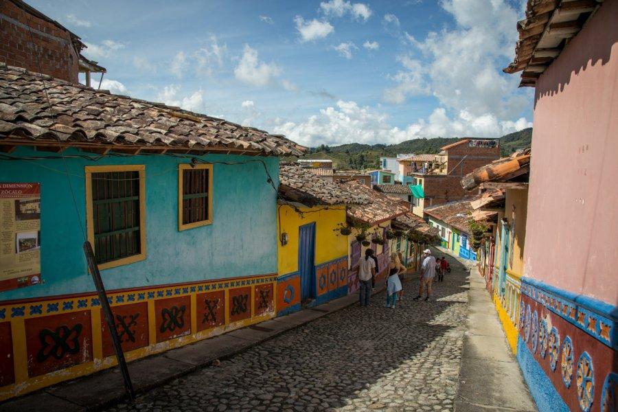 Ruelle colorée de Guatapé. (© CAPOA VOYAGES COLOMBIE))