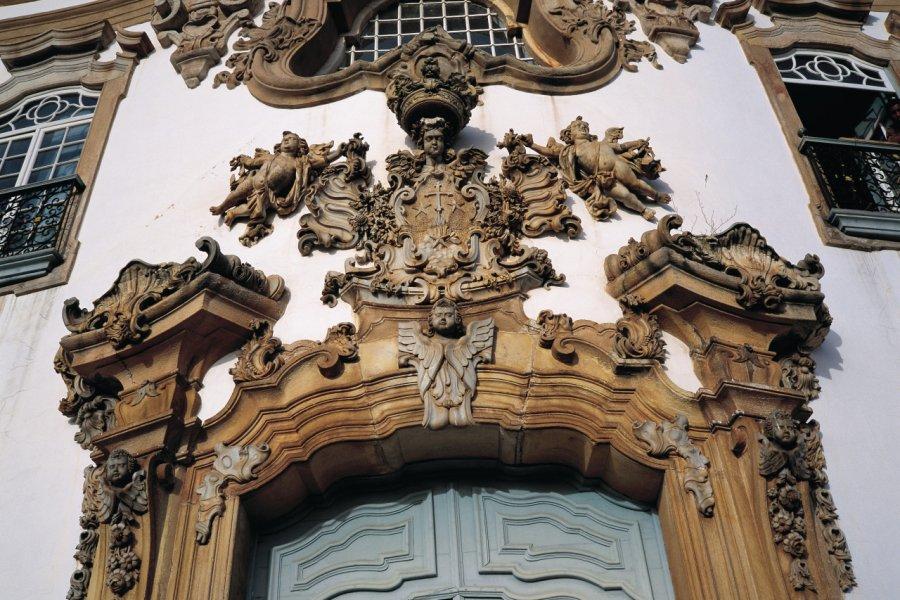 Détail de l'église Nossa Senhora do Carmo. (© Tom Pepeira - Iconotec))
