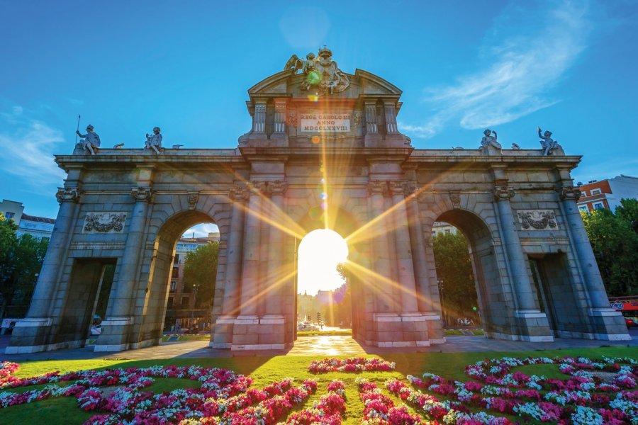 La Puerta de Alcalá au coucher du soleil. (© Frederic PROCHASSON - iStockphoto))