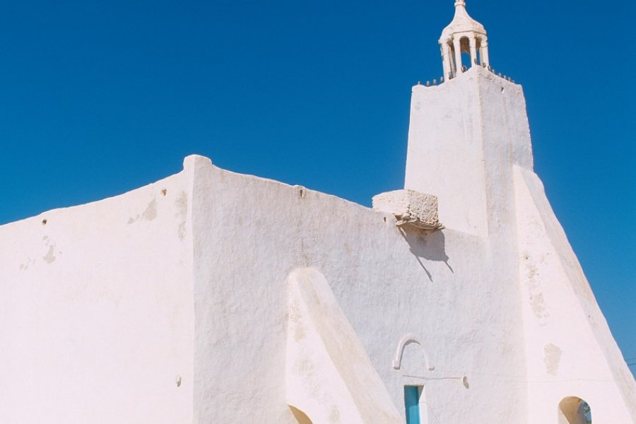 Mosquée sur la route vers Midoun. (© Author's Image))