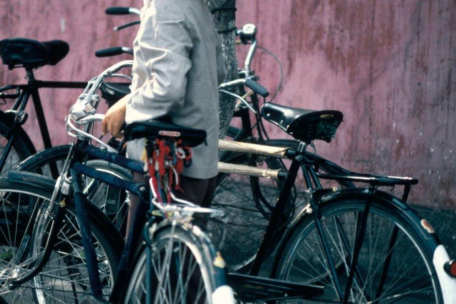 À bicyclette dans Canton. (© Yukiko Yamanote - Iconotec))
