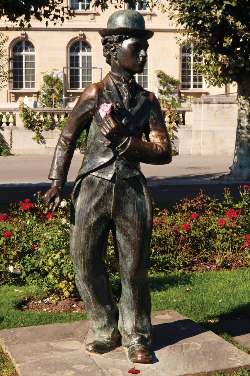 Statue de Charlie Chaplin sur le quai Perdonnet, Vevey. (© Philippe GUERSAN - Author's Image))