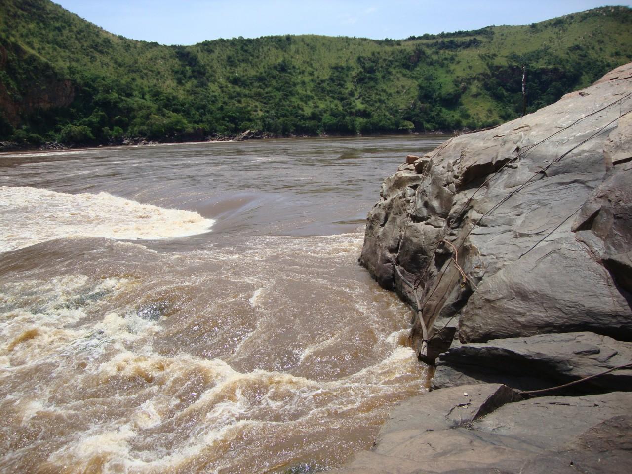 Le site du rocher de Diogo Cao près de Palabala (© Ph. Wyvekens))