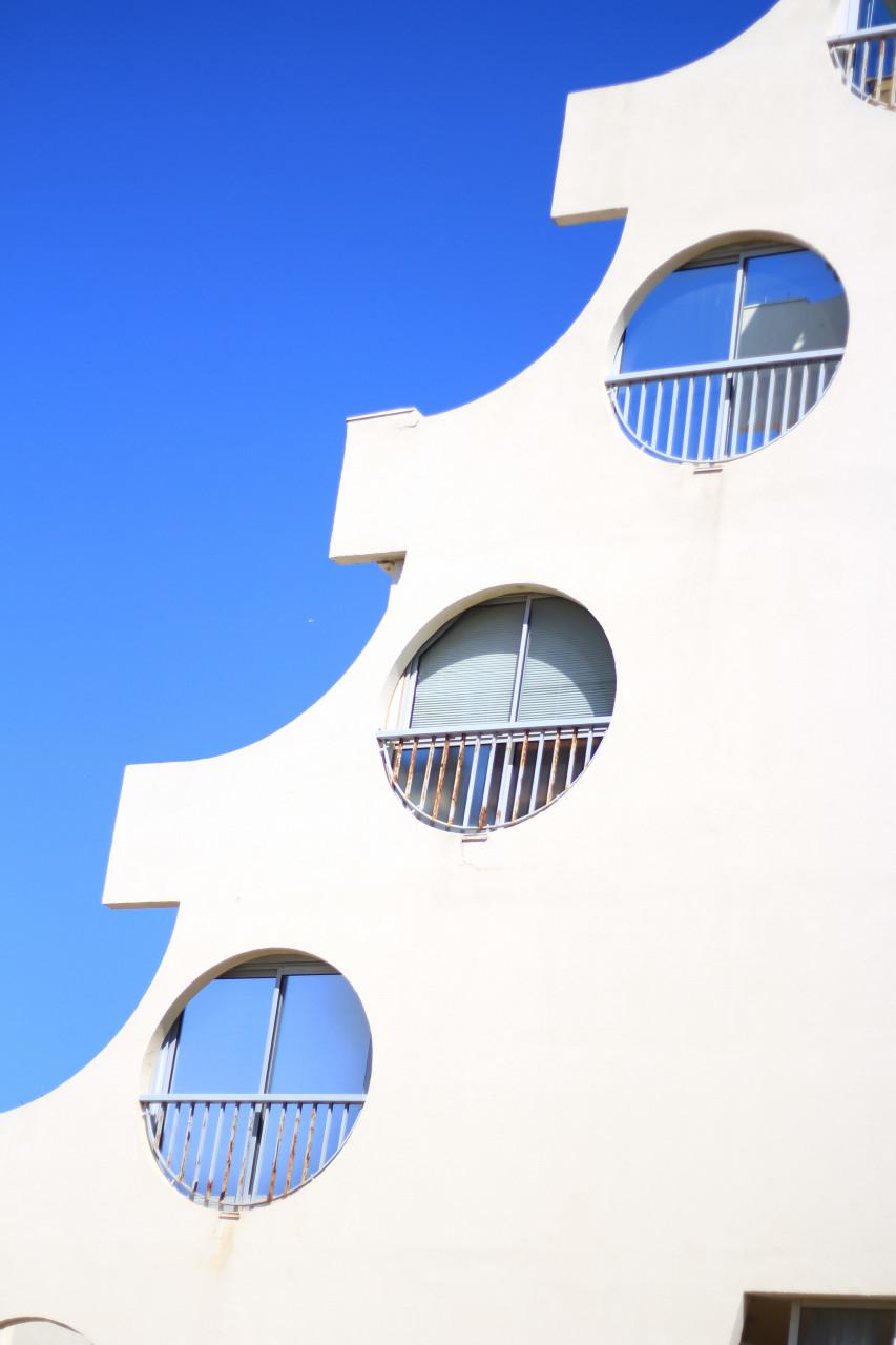 Architecture de La Grande-Motte. (© mimiiwayne - Shutterstock.com))
