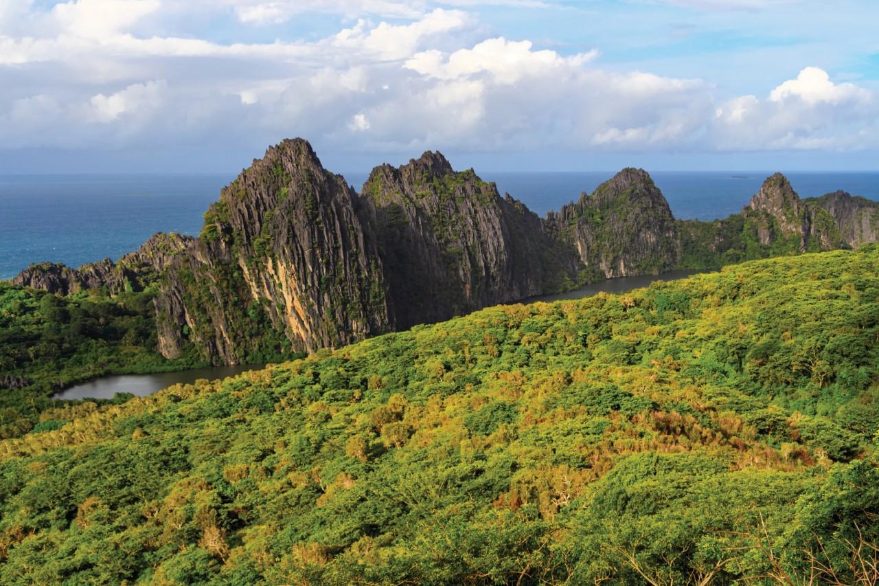 Las rocas de Linde-ralique, Hienghe -3 no.