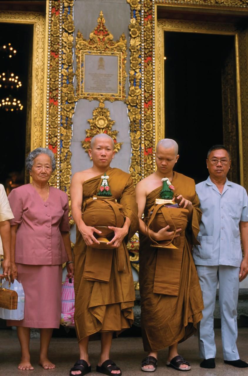 Ordination de moines novices au Wat Bowonniwet. (© Mickael David - Author's Image))