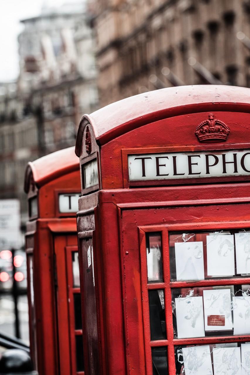 La cabine téléphonique rouge est une caractéristique emblématique de Londres. (© Curioso - Shutterstock.com))