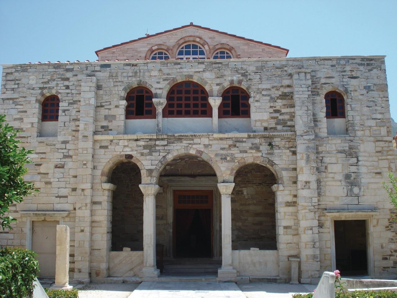 Panaghia Ektapoliani, l'un des monuments byzantins les plus importants de Grèce. (© Ana JOVETIC-VUCKOVIC))