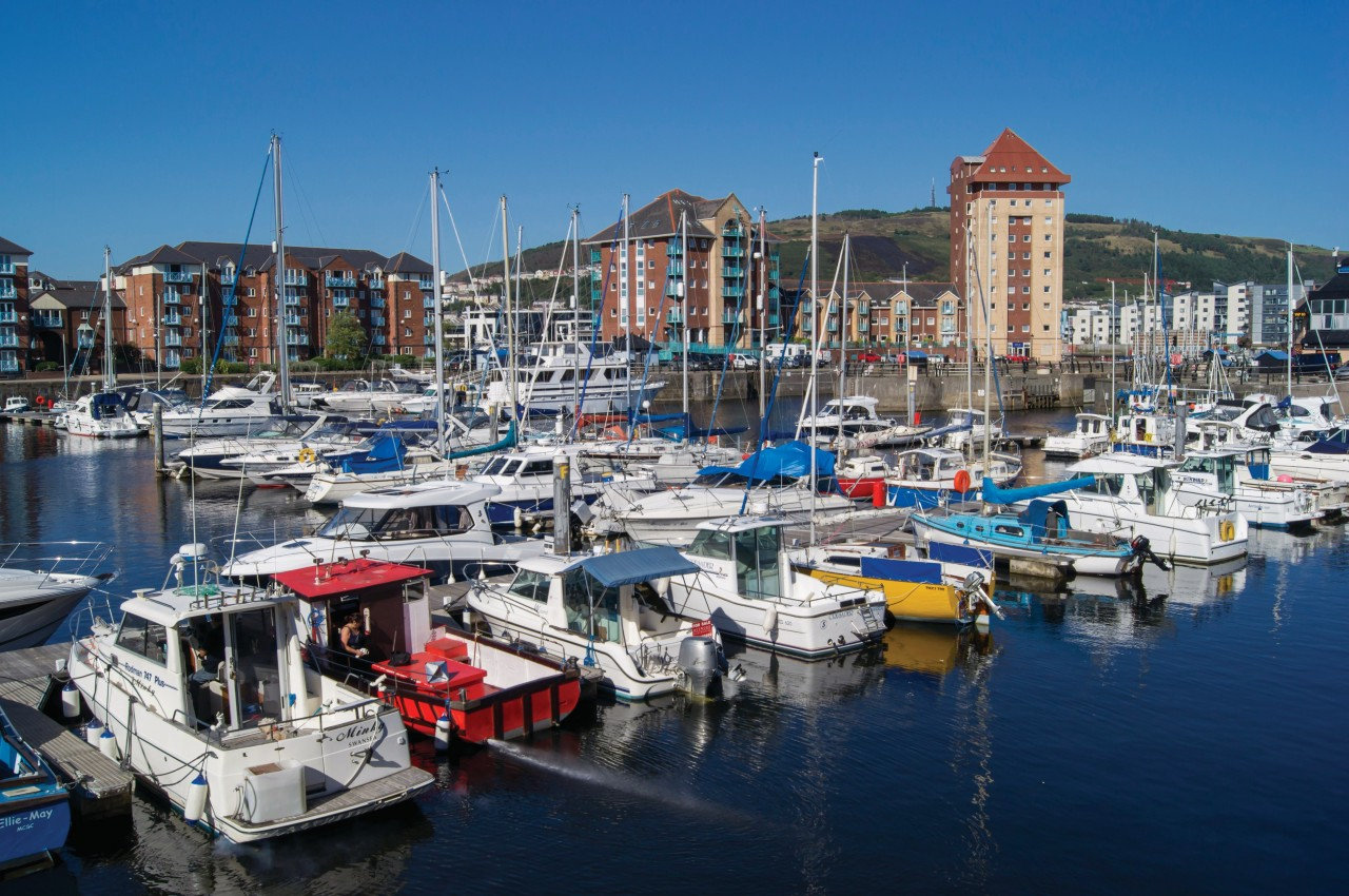 Port de Swansea. (© Design Pics / Photononstop))