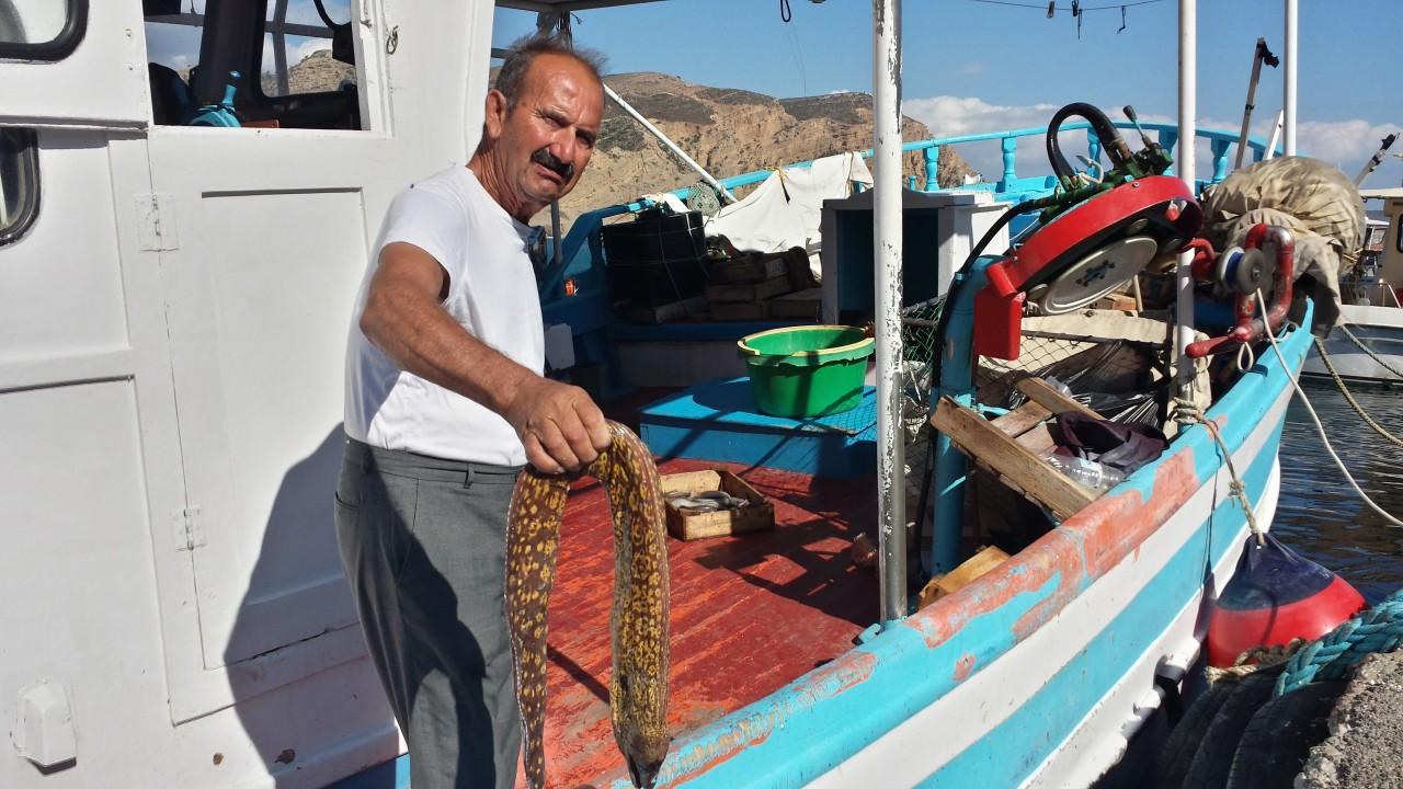 Un pêcheur crétois. (© Alex VUCKOVIC))