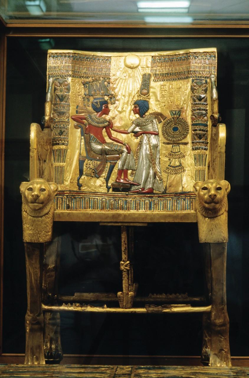 Trésor de Toutankhamon au Musée égyptien du Caire: le trône. (© Author's Image))