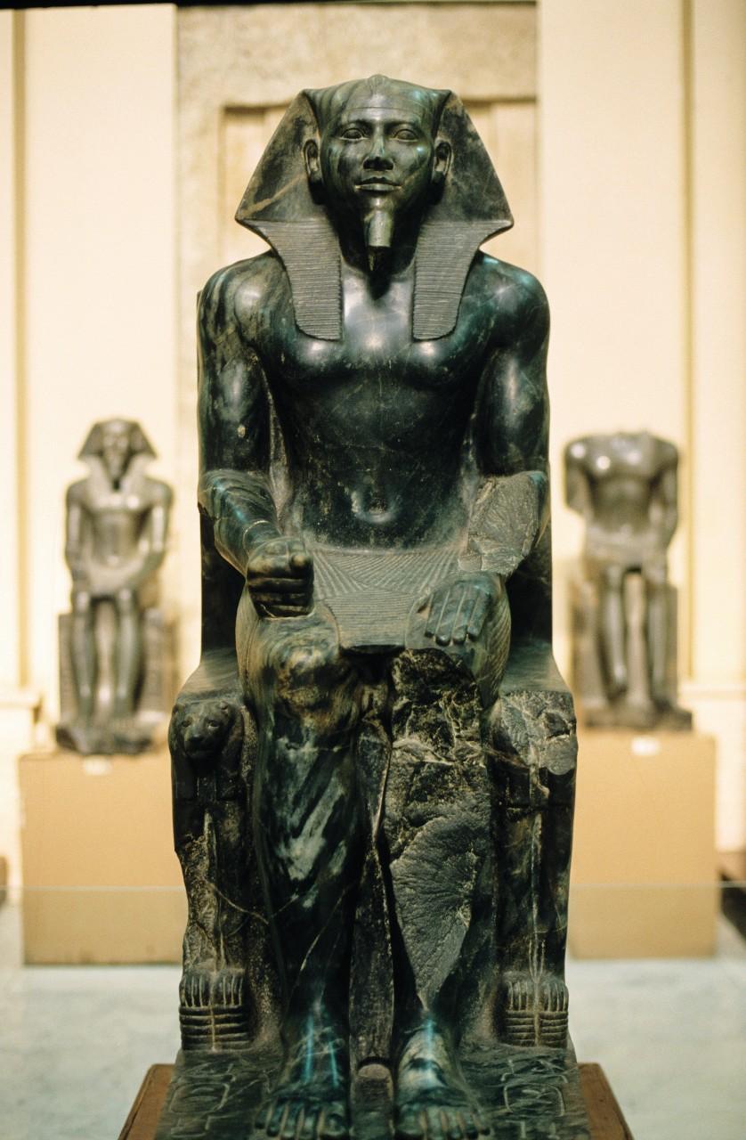 Musée égyptien du Caire, période Ancien Empire avec cette statue du roi Képhren (IVe dynastie). (© Author's Image))