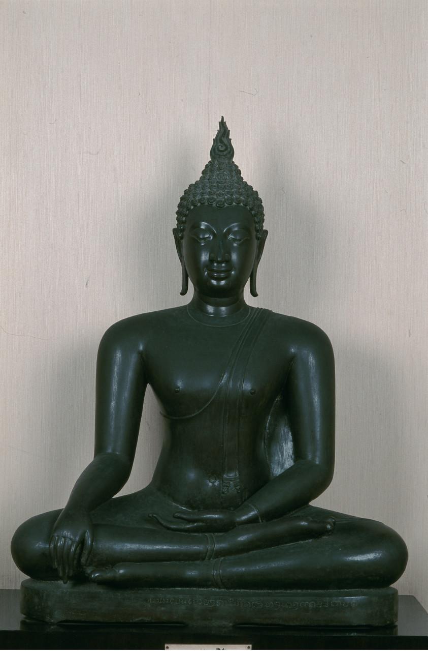 Bouddha de bronze du 16e siècle au Musée national. (© Author's Image))