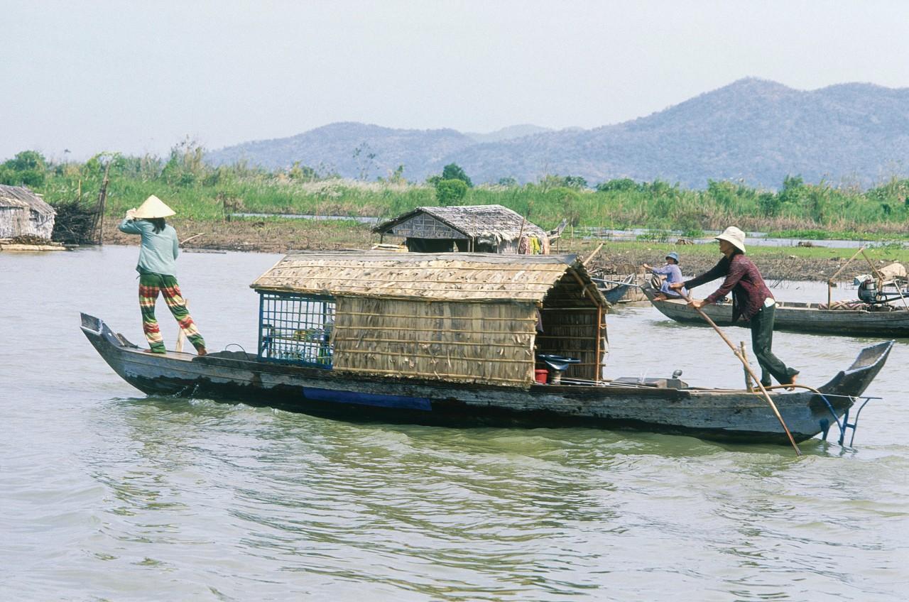 Kompong Chhnang, village flottant. (© Eric Martin - Iconotec))