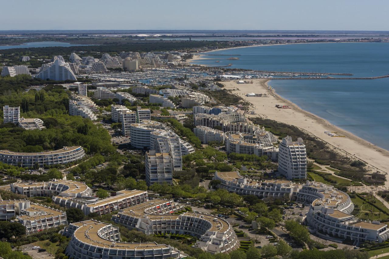 Vue aérienne de La Grande-Motte. (© fovivafoto - Adobe Stock))