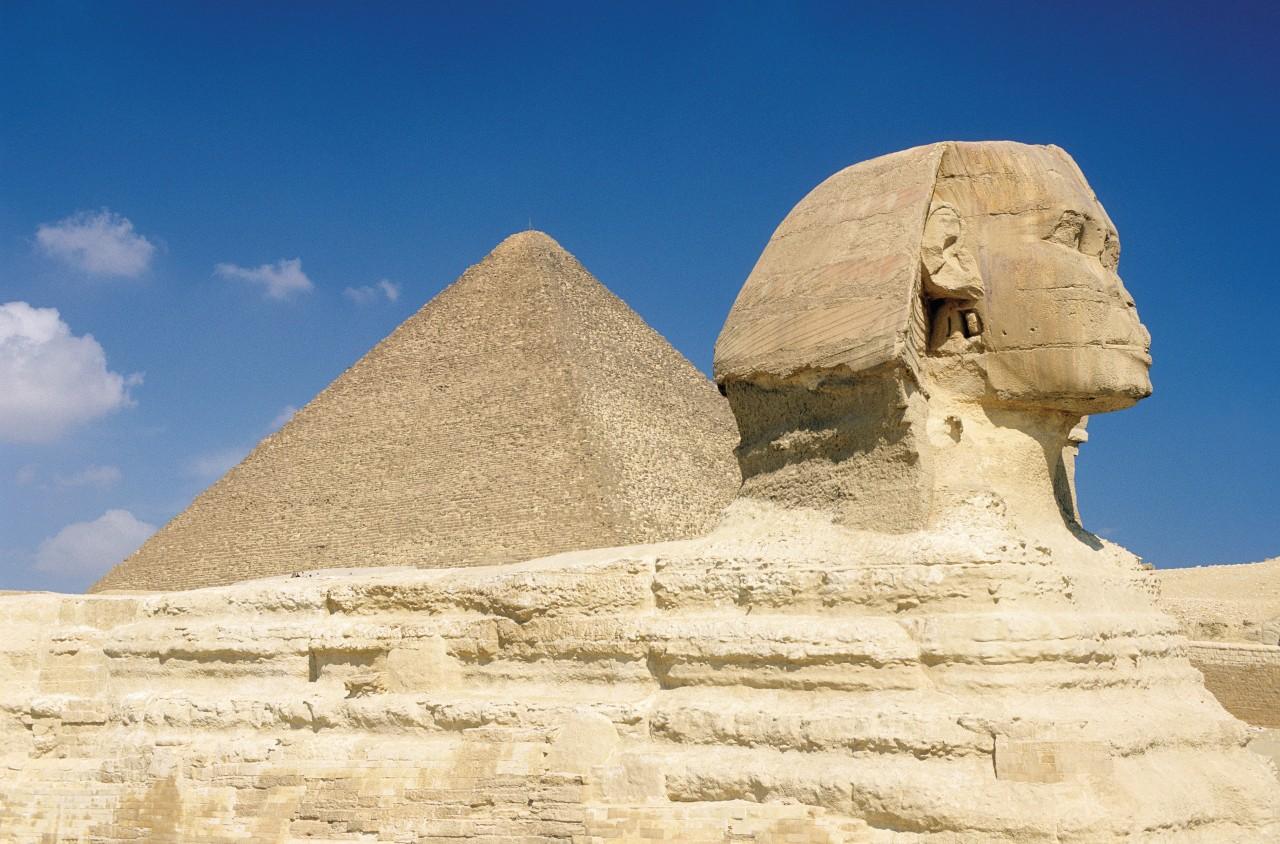 Las pirámides de Guiza y el Sphinx.