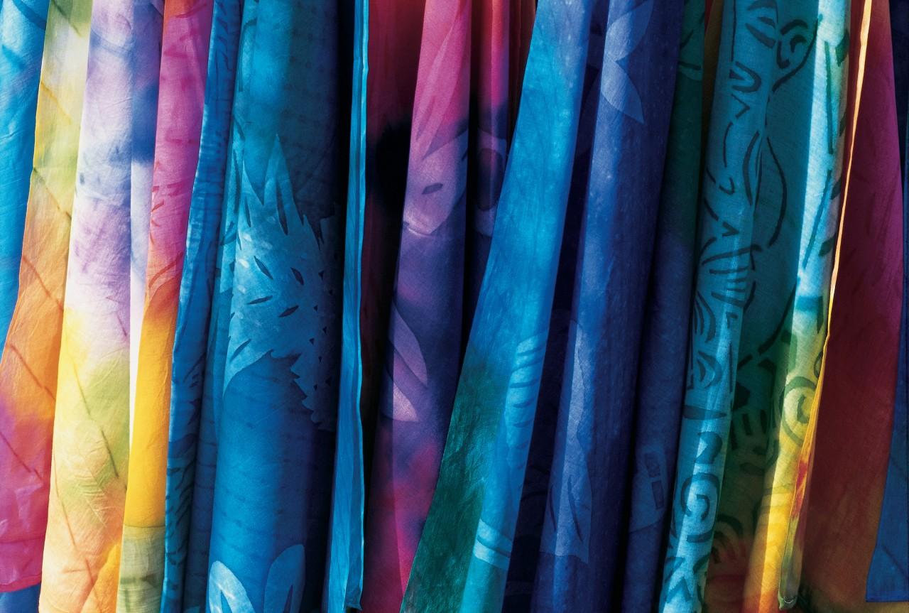 Paréos multicolores (© Itzak Newmann - Iconotec))