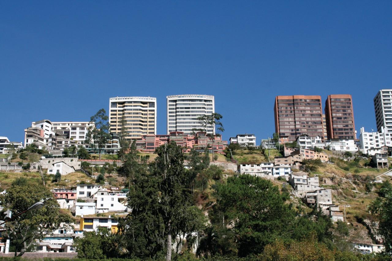 Quartier surplombant le quartier de Guápulo. (© Stéphan SZEREMETA))