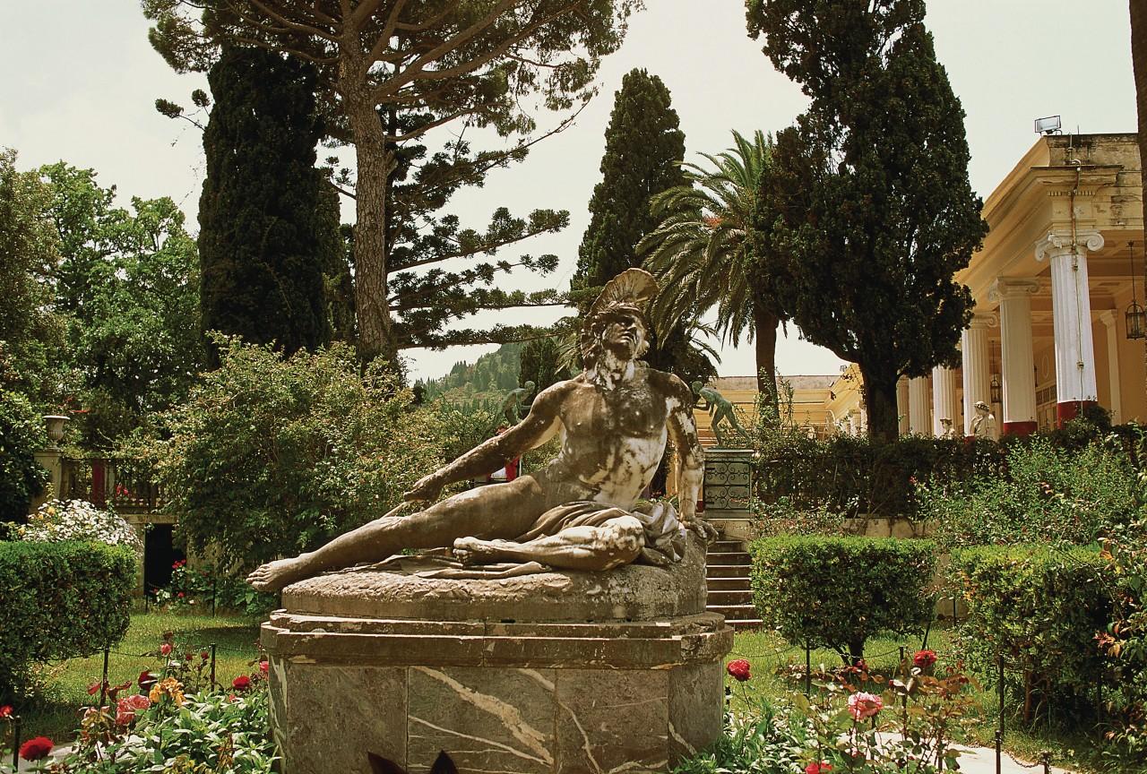 L'Achilleon. (© Author's Image))