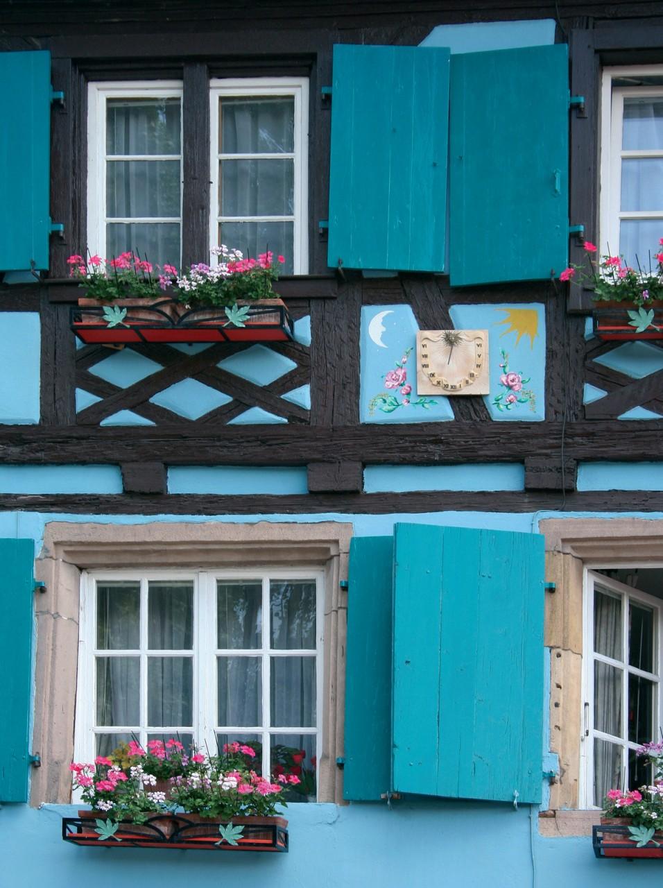 Façade alsacienne à Colmar. (© JEAN-JACQUES CORDIER - FOTOLIA))