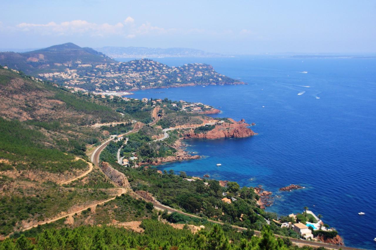 Vue aérienne de la Côte d'Azur. (© Pascal06 - Fotolia))