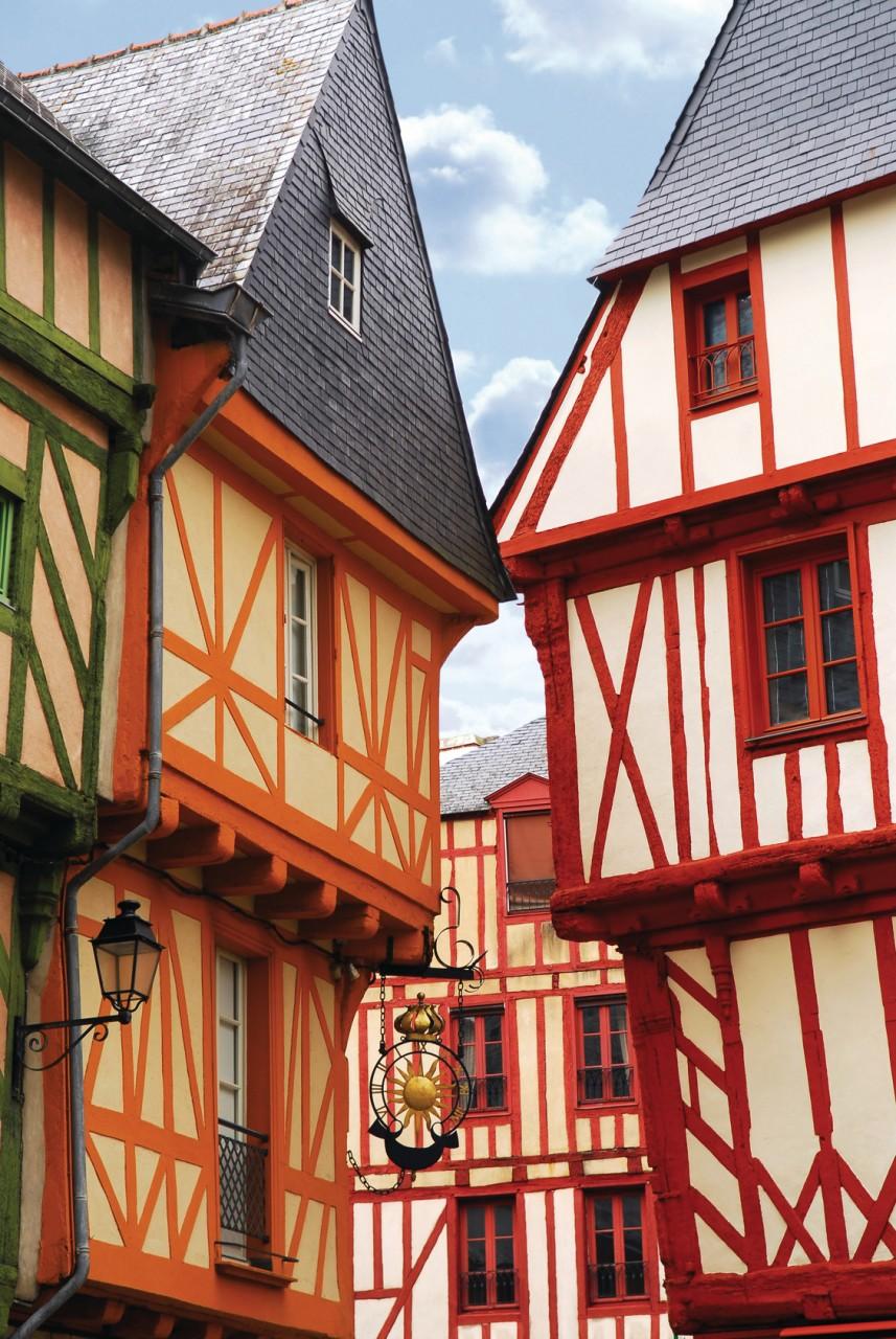Maisons à pans de bois dans le centre de Vannes. (© ELENATHEWISE - FOTOLIA))