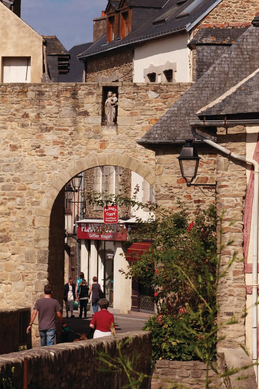 Enceinte de la vieille ville de Vannes. (© Irène Alastruey - Author's Image))