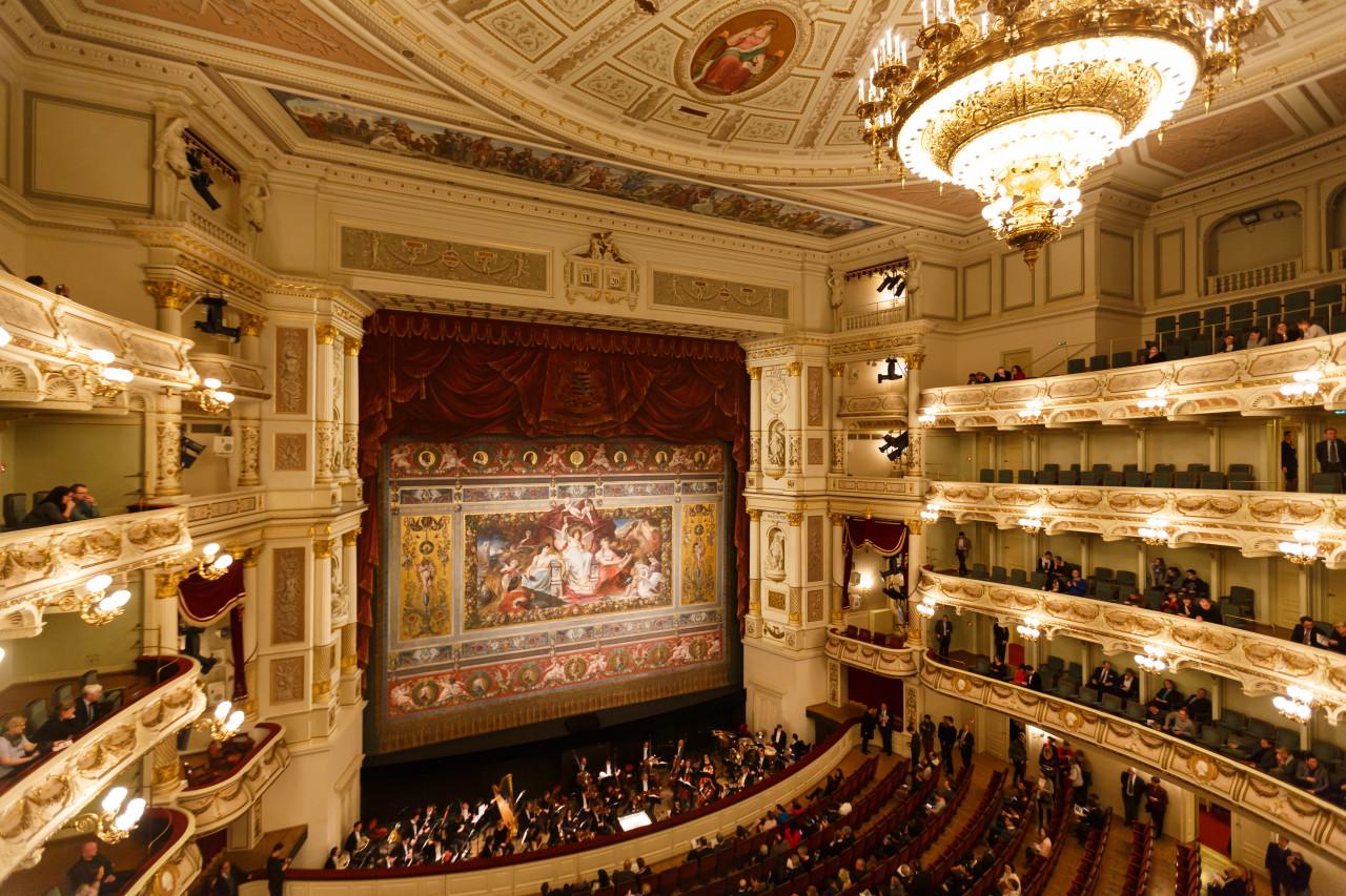 Intérieur de l'opéra de Dresde.