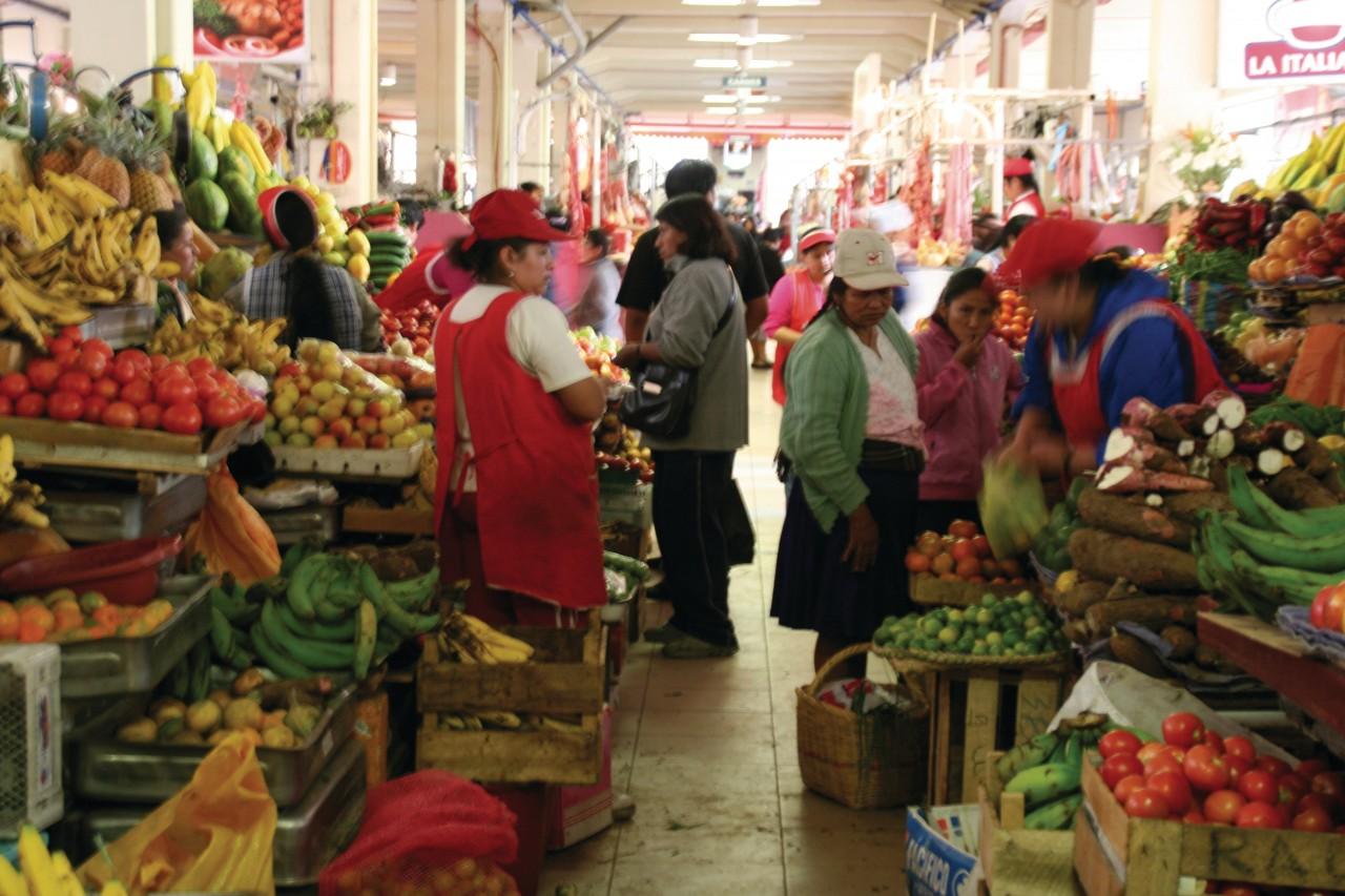 Food Market 10 of Agosto.