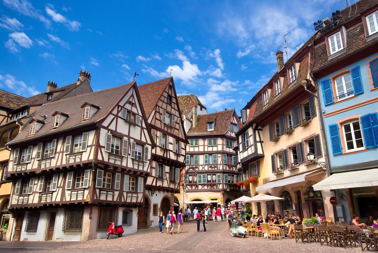 Scène urbaine dans la ville de Colmar. (© Mellow10))
