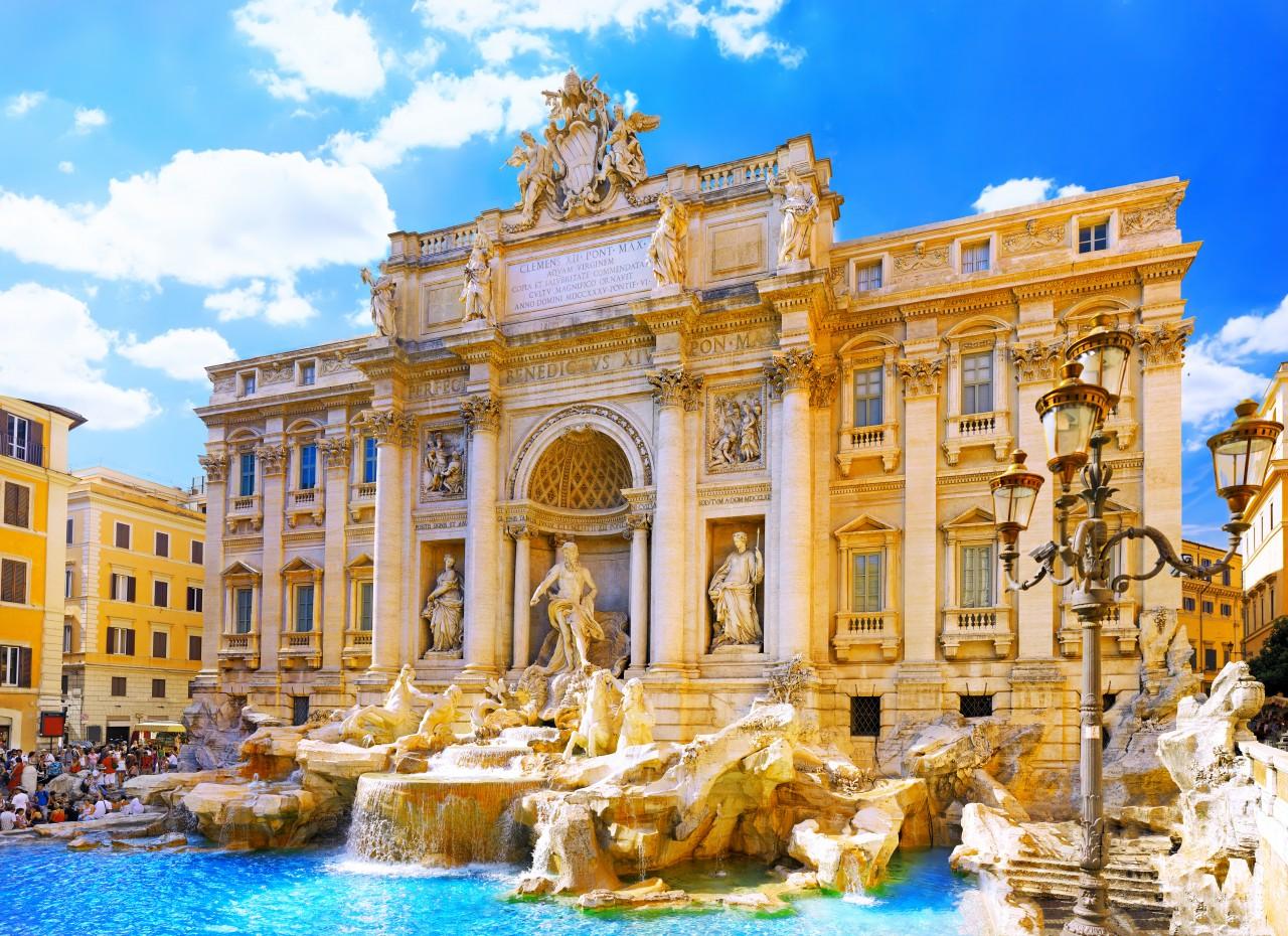 Fountain di Trevi.