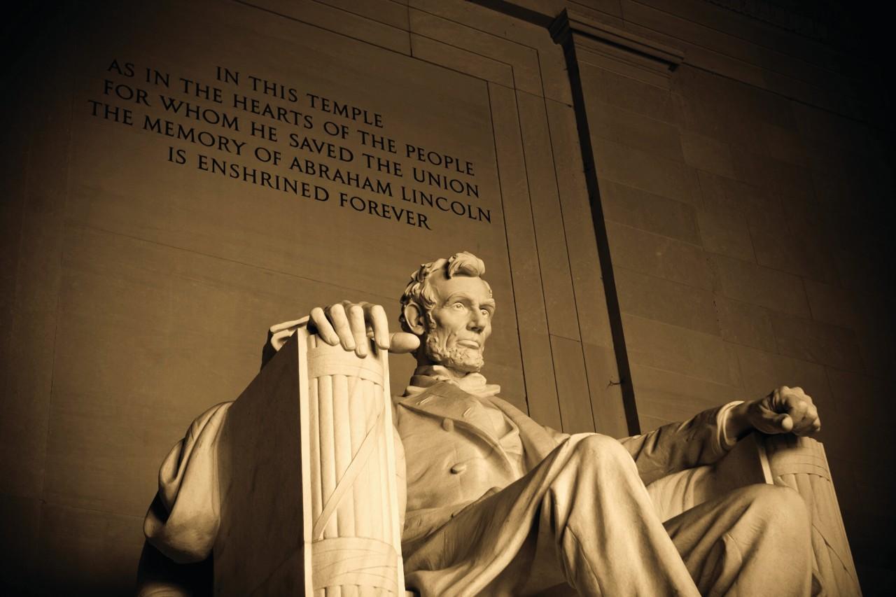 Statue of the Lincoln Memorial in Washington.