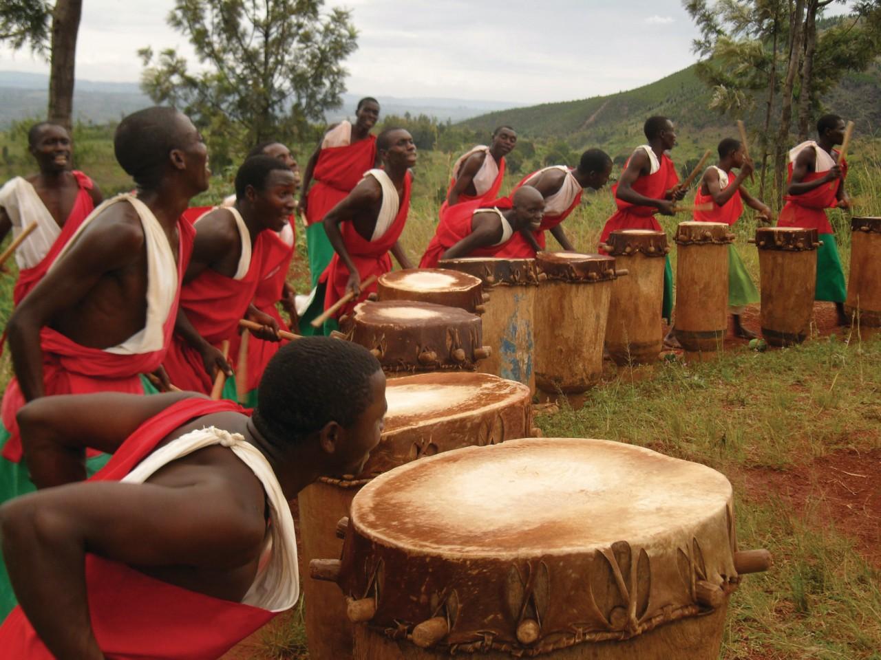 Les tambourinaires de Gishora. (© Julia GASQUET))