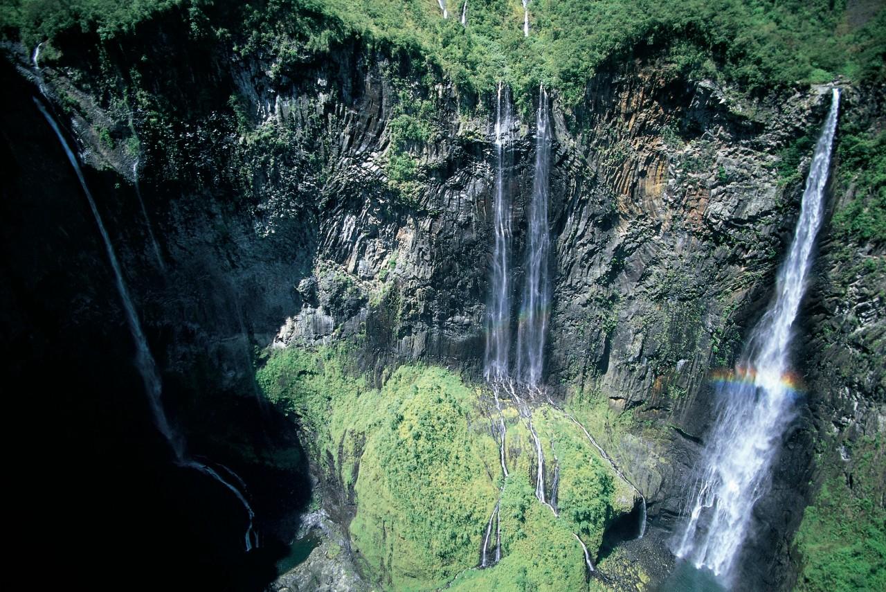 Unes des nombreuses cascades faisant la beauté de la Réunion.