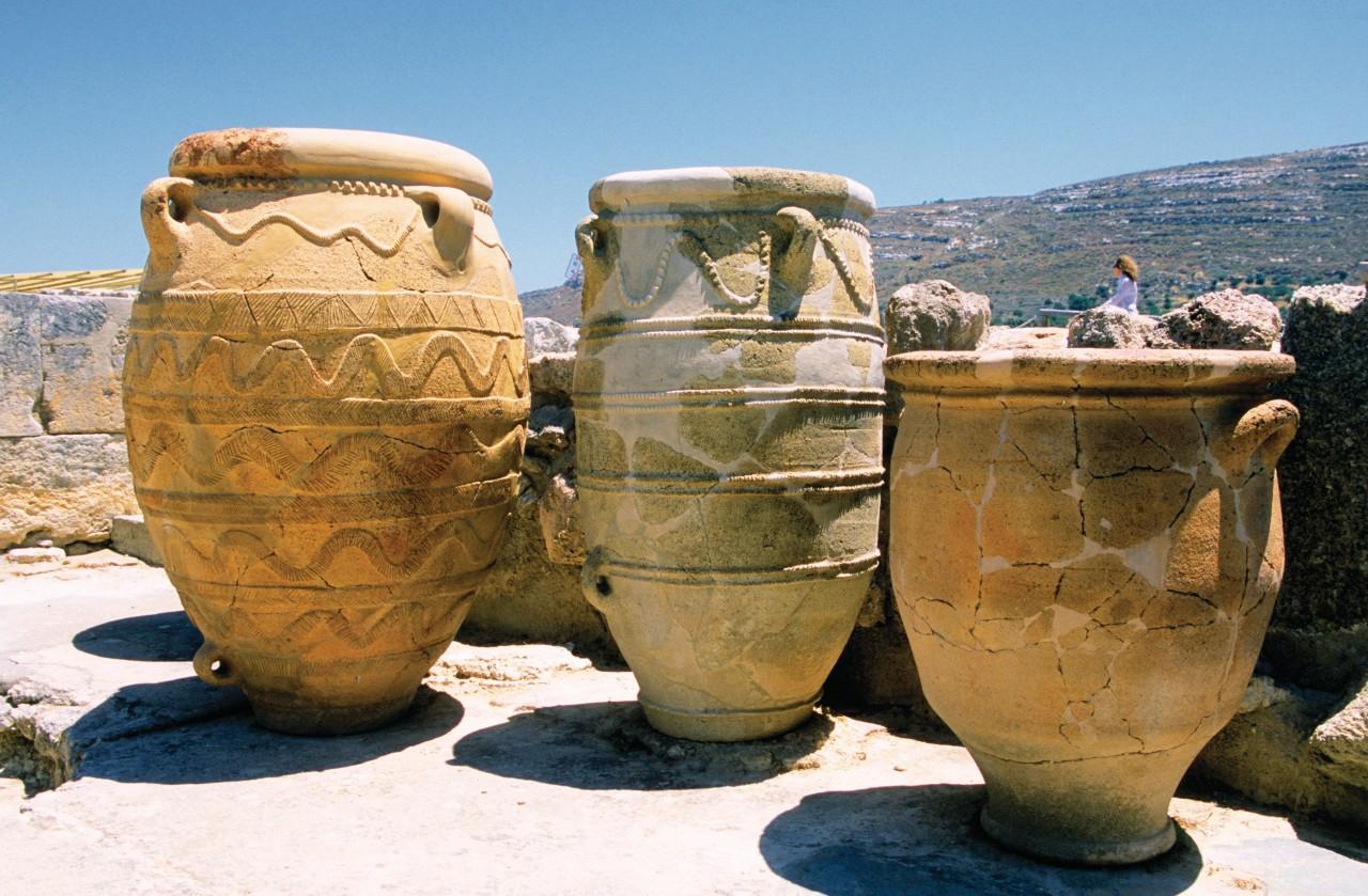 Amphores du site minoen de Cnossos. (© Author's Image))