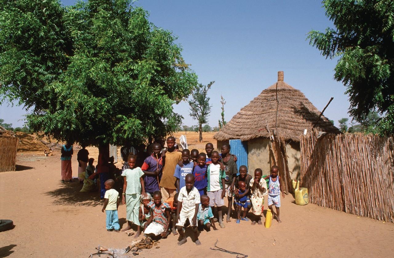 Petit village aux alentours de Diakhao. (© Author's Image))